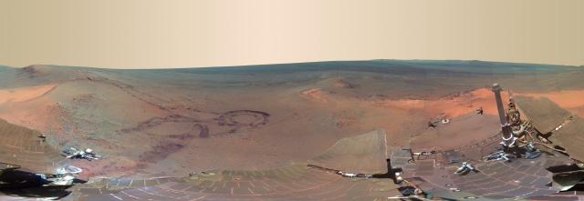 Panorámica del Greeley Haven en la superficie del planeta Marte tomada por el rover Opportunity (NASA).