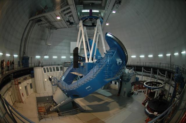 Imagen del telescopio de 3.5 metros del Observatorio de Calar Alto.