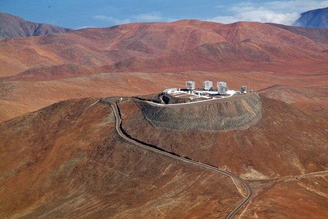 Vista aérea de la plataforma del VLT en el Observatorio de Paranal. Crédito: ESO.